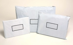 COURIER BAG WHITE 5KG WITH SELF ADHESIVE FLAP 375mm x 550mm Pkt 50 (price excludes gst)