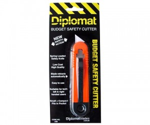 DIPLOMAT BUDGET AUTO RETRACTABLE SAFETY CUTTER A38 (price excludes gst)